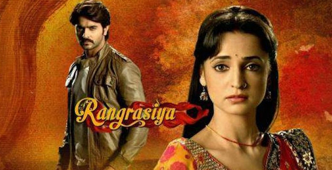 Colours of Love / Rangrasiya Full Story. Rangrasiya(English:Colours of Love ) was anIndiantelevision serial that aired onColors TVfrom 30 December 2013 until 19 September 2014. Initially, the show revolved around the love story of Parvati (Sanaya Irani), a simple, beautiful girl that fell victim to a guns smuggling racket, and Border Security Defence (BSD) Major, Rudra Pratap Ranawat (Ashish Sharma). On 31 July 2014, the show took a 7-year leap and introduced Myrah - adoppelgangerof Parvati.
